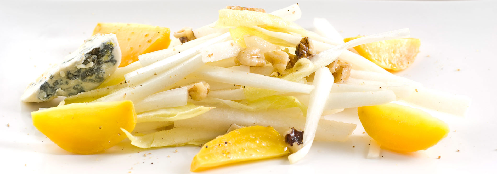 JI.071 Belgian endive with golden beets, Fourme d'Ambert bleu cheese and toasted walnuts